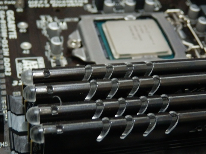 CPUとメモリ3.jpg