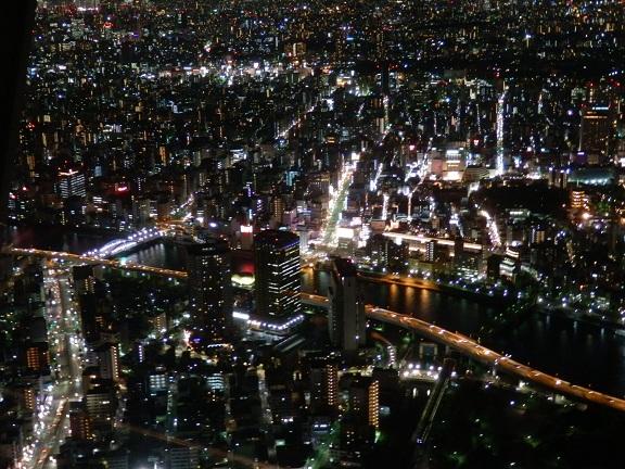 天望回廊雷門通り.jpg